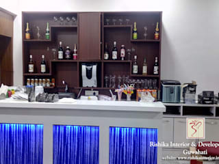 Bar area :  Gastronomy by Rishika Interior & Developer (p) Ltd.