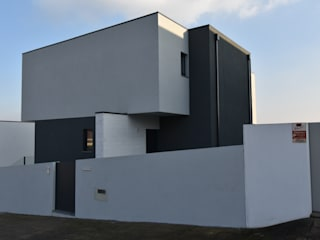 Modern houses by Construções e Imobiliária Navio, Lda Modern