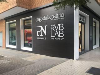 SPA Pronails em Badajoz Lojas e Espaços comerciais modernos por LACd'A HOME - Arquitectura e Interiores Moderno