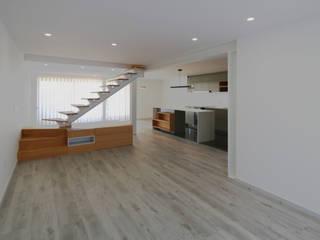 Casa das Fontes | Reformulação: Salas de jantar  por OBRA ATELIER - Arquitetura & Interiores