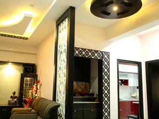 Gautami Enclave:  Living room by Meticular Interiors LLP,