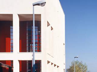 Casa privata: Condominio in stile  di Scaglione Workshop architettura e design,