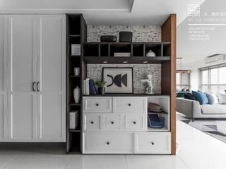 百玥空間設計 ─ 暮色普魯士 隨意取材風玄關、階梯與走廊 根據 百玥空間設計 隨意取材風 實木 Multicolored