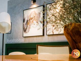 Modern dining room by Habitus Arquitetura Modern