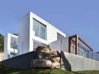 smartliving CLASSIC plus CA1: Casas unifamilares de estilo  de SMARTLIVING