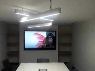 Oficinas corportivas COTY. (para T4 construcciones).:  de estilo  por Sinnarq, S.A. de C.V.