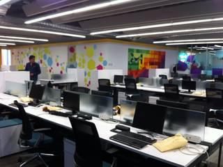 Oficinas corporativas Merck (para T4 construcciones).:  de estilo  por Sinnarq, S.A. de C.V.