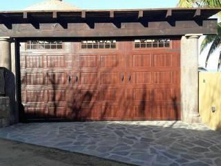 ESLAP PUERTAS AUTOMATICAS Garagentore Metall Holznachbildung
