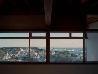 Puertas y ventanas modernas de 西島正樹/プライム一級建築士事務所 Moderno