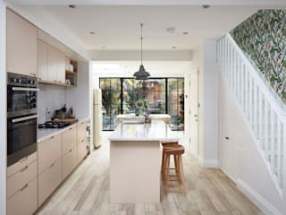 Home Extension Urbanist Architecture Small kitchens Engineered Wood Amber/Gold