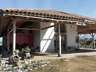 by ALIWEN arquitectura & construcción sustentable - Santiago Колоніальний