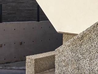 SQUARE & TRIANGLE HOUSE 모던스타일 주택 by Studio 李心田心 스튜디오 이심전심 건축사 사무소 모던