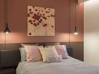 red pastel bedroom :  Bedroom by decormyplace,