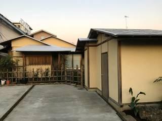 Сад в азиатском стиле от 株式会社高野設計工房 Азиатский