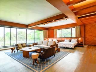VILLA MAJAZA - RESIDENTIAL Modern style bedroom by Josmo Studio Modern