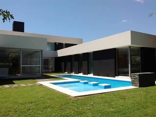 cdq20021: Casas de estilo  por CONSTRUCTORA EDIFICAR
