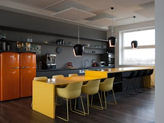 Office buildings by Kaldma Interiors - Interior Design aus Karlsruhe,