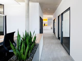 Modern office buildings by Kaldma Interiors - Interior Design aus Karlsruhe Modern