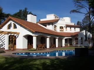 Villas by Luis Barberis Arquitectos, Rustic