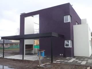 Houses by Luis Barberis Arquitectos, Modern