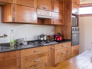 Interiores Cocinas de estilo rústico de Intermedio Arquitectos Rústico