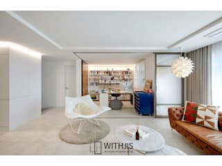Modern living room by WITHJIS(위드지스) Modern