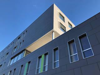 Hospitales de estilo  por HDR GmbH