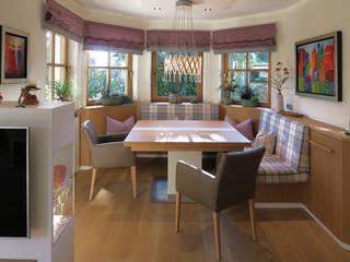 Esszimmer im modernen Landhausstil: modern  von T-raumKONZEPT - Interior Design im Raum Nürnberg,Modern
