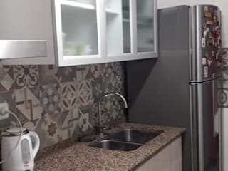 Moderne keukens van Sofía Lopez Arquitecta Modern