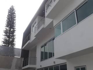 casa la pradera Casas modernas de coprefa Moderno