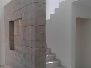 casa Kloster de coprefa Minimalista