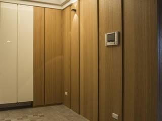 退休養老好宅好優閒-竹城新東京 亞洲風玄關、階梯與走廊 根據 富亞室內裝修設計工程有限公司 日式風、東方風