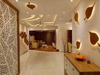 RAK Interiors Minimalistischer Flur, Diele & Treppenhaus