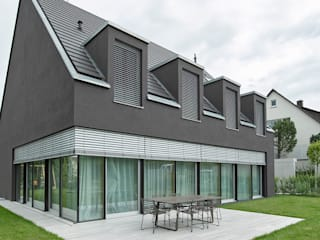 Puertas y ventanas de estilo moderno de Markisen Zanker im Raum Stuttgart Moderno