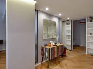 Modern corridor, hallway & stairs by Formaementis Modern