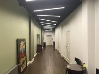 Архитектурное бюро в центре столицы:  в современный. Автор – ULIGHT, Модерн