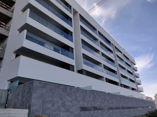 Moderne huizen van SAM'S - Soluções em alumínio e PVC Modern