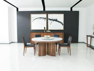 modern  oleh Casa de las Lomas, Modern