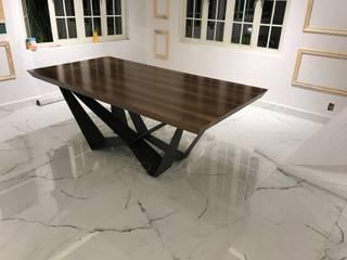 UP-A mobiliario por Jorge Torres y Mariana Verdiguel Yemek OdasıMasalar