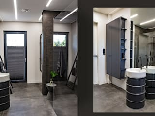 Dom na planie otwartym – łazienka z unikalnymi meblami SZARA / studio Nowoczesna łazienka Ceramiczny Szary