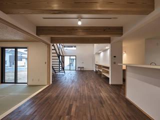 北下馬野町の家 新築工事: Echizen Ryouta Design Laboratoryが手掛けたダイニングです。,