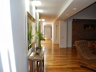Minimalist living room by diseño con estilo ... sas Minimalist