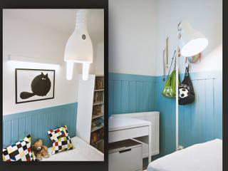 Pokój chłopca z błękitną boazerią SZARA / studio Pokój dla chłopca Niebieski