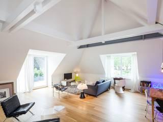 Bestandswohnhaus stilecht saniert Moderne Wohnzimmer von Wechselberger Hiepen GmbH Modern