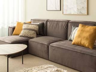 Salas de estar mediterrâneas por BORAGUI - Design Studio Mediterrâneo