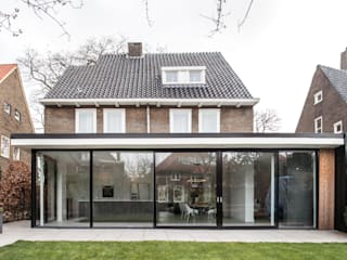 別墅 by Bob Romijnders Architectuur & Interieur, 現代風
