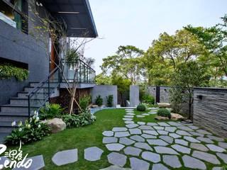 Giardino in stile  di Zendo 深度空間設計, Minimalista