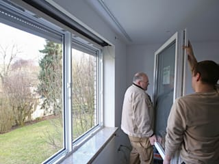 Ventanas de estilo  de Kneer GmbH, Fenster und Türen, Clásico