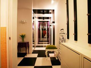 Eclectic style corridor, hallway & stairs by Irina Yakushina Eclectic