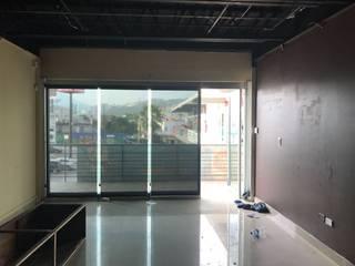 Remodelación de Barbería:  de estilo  por CRYV Proyectos y Construccion